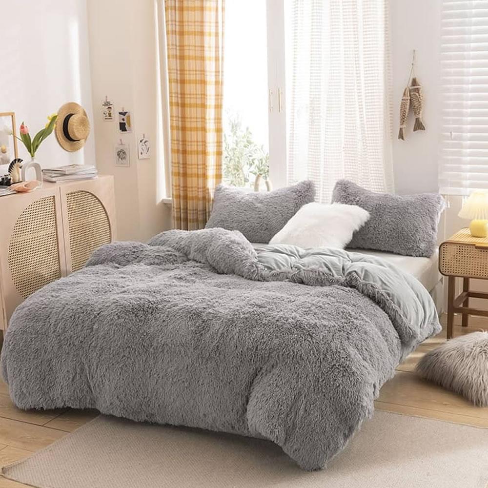 gray fleece bed linen